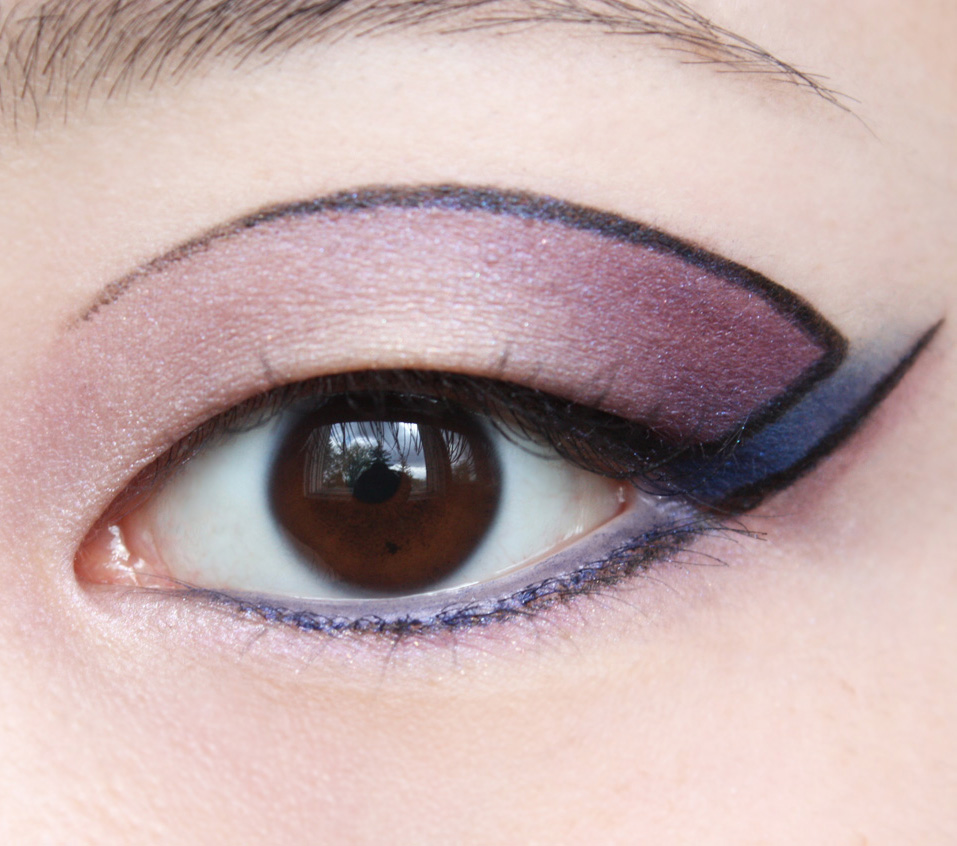 theNotice - Get graphic: a cut-out eye of the day - theNotice