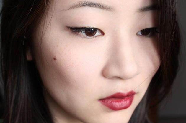 !Oxblood lips and gold glitter eyeliner