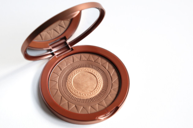 Lise Watier bronzer swatches review