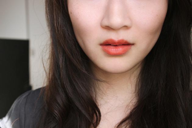 Annabelle Kiss swtach TwistUp Retractable Lipstick