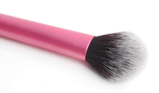 Real Techniques Multi-task brush review photos blush