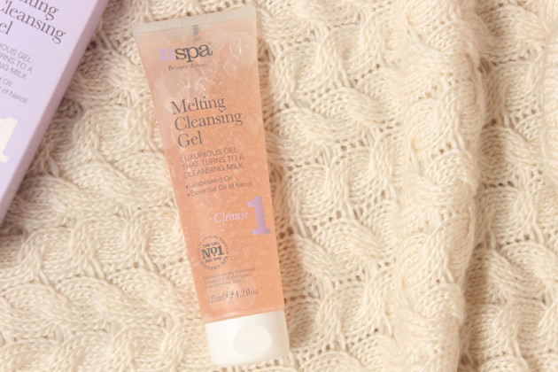 NSPA Melting Cleansing Gel review photos