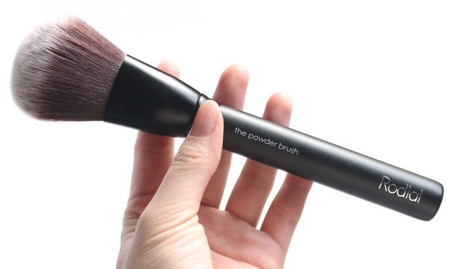 Rodial Powder Brush bronzer contour review