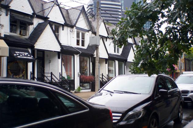 Detox Market Scollard St Toronto without polarizer