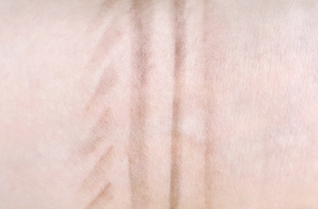Hourglass Arch Brow Pencil Ash swatch review