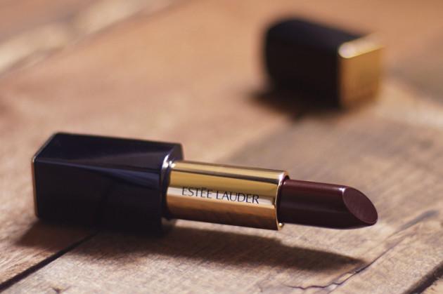 Estee Lauder Commanding swatches review Matte Sculpting lipstick