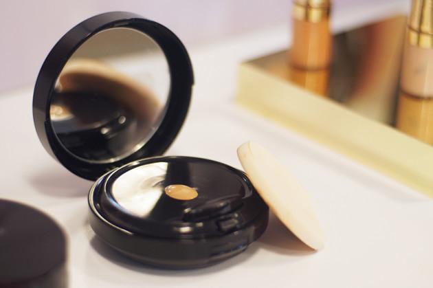 Estee Lauder Double Wear Makeup To Go review