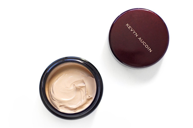 Kevyn Aucoin SSE review SX05 silicone free foundation ingredients
