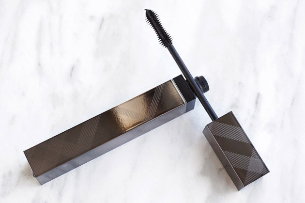 burberry-cat-lashes-mascara-in-jet-black-review