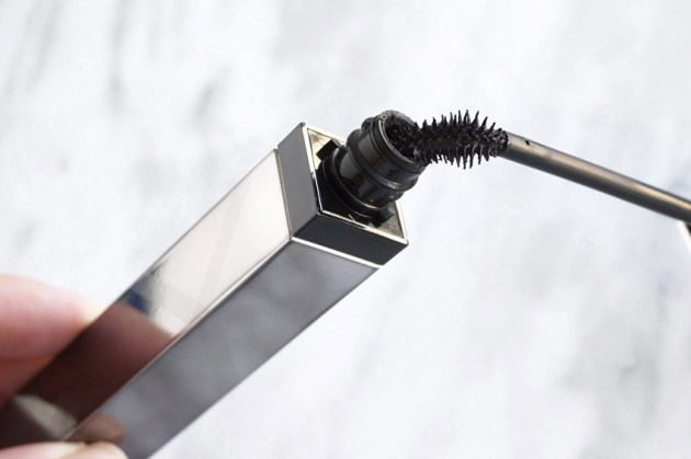 burberry-cat-lashes-mascara-review