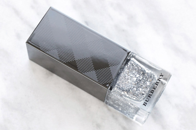 burberry-nail-polish-silver-glitter-review