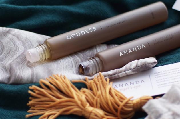 saje-ananda-goddess-natural-perfume-rollerballs-review-photos