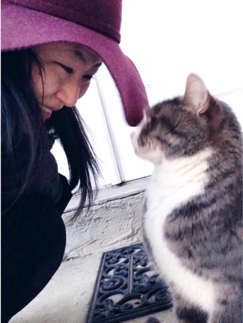 gary-tuna-outdoor-kitten