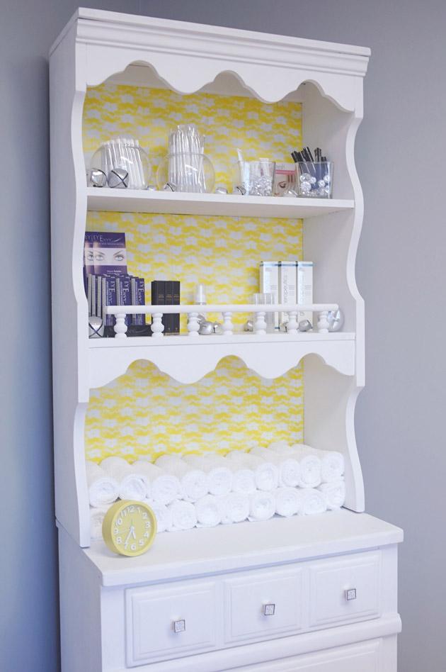 Pinterest DIY bookshelf display