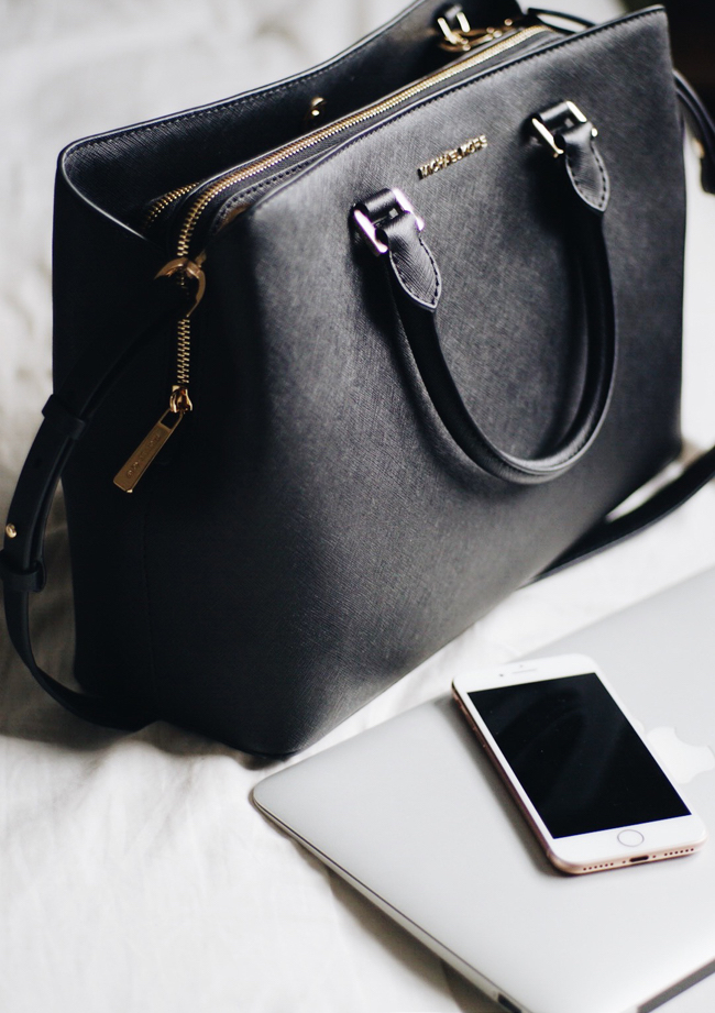 da9ab599e5d026 theNotice - Michael Kors Savannah Tote | An airport bag for any ...