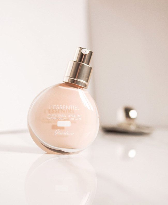 Guerlain L'Essentiel Foundation review, swatches 00N, 01N