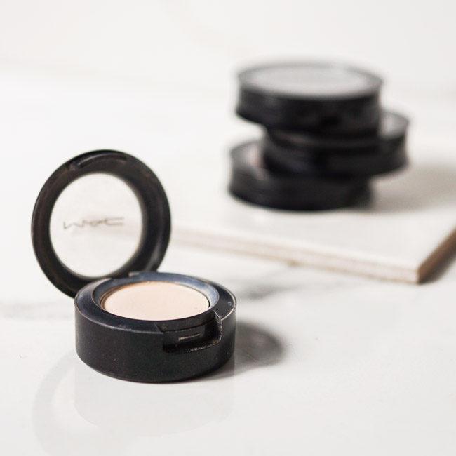 Silicone-free eyeshadow MAC Blanc Type